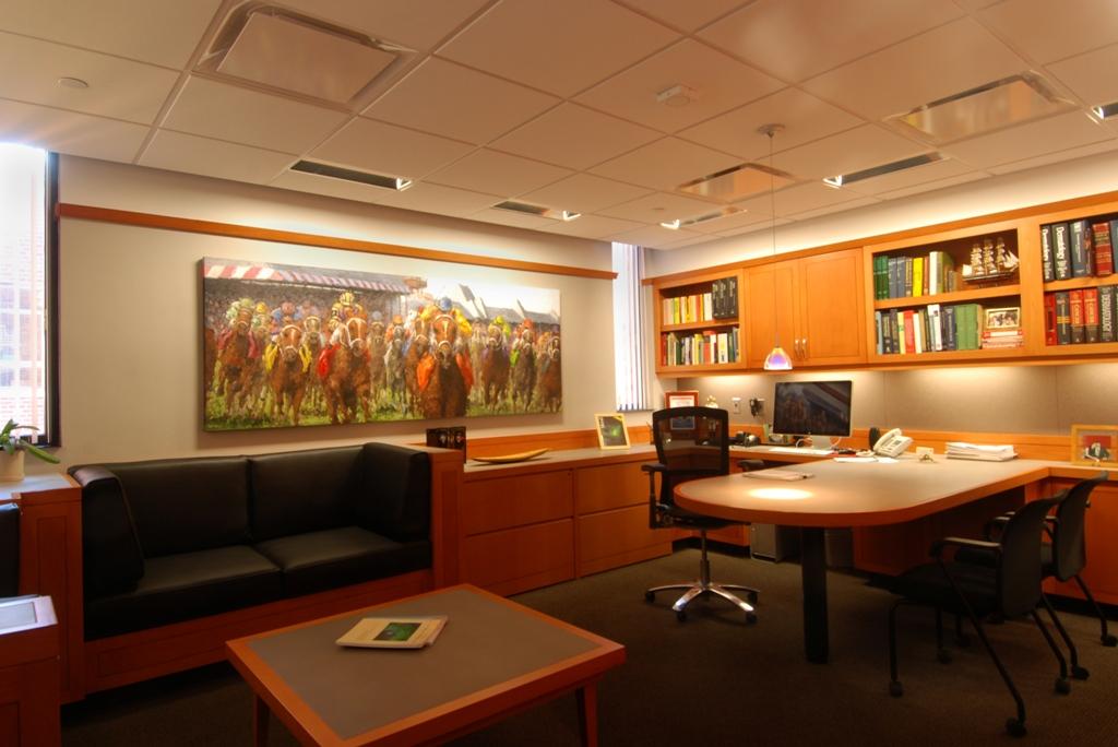 dr-edelmans-desk-b031